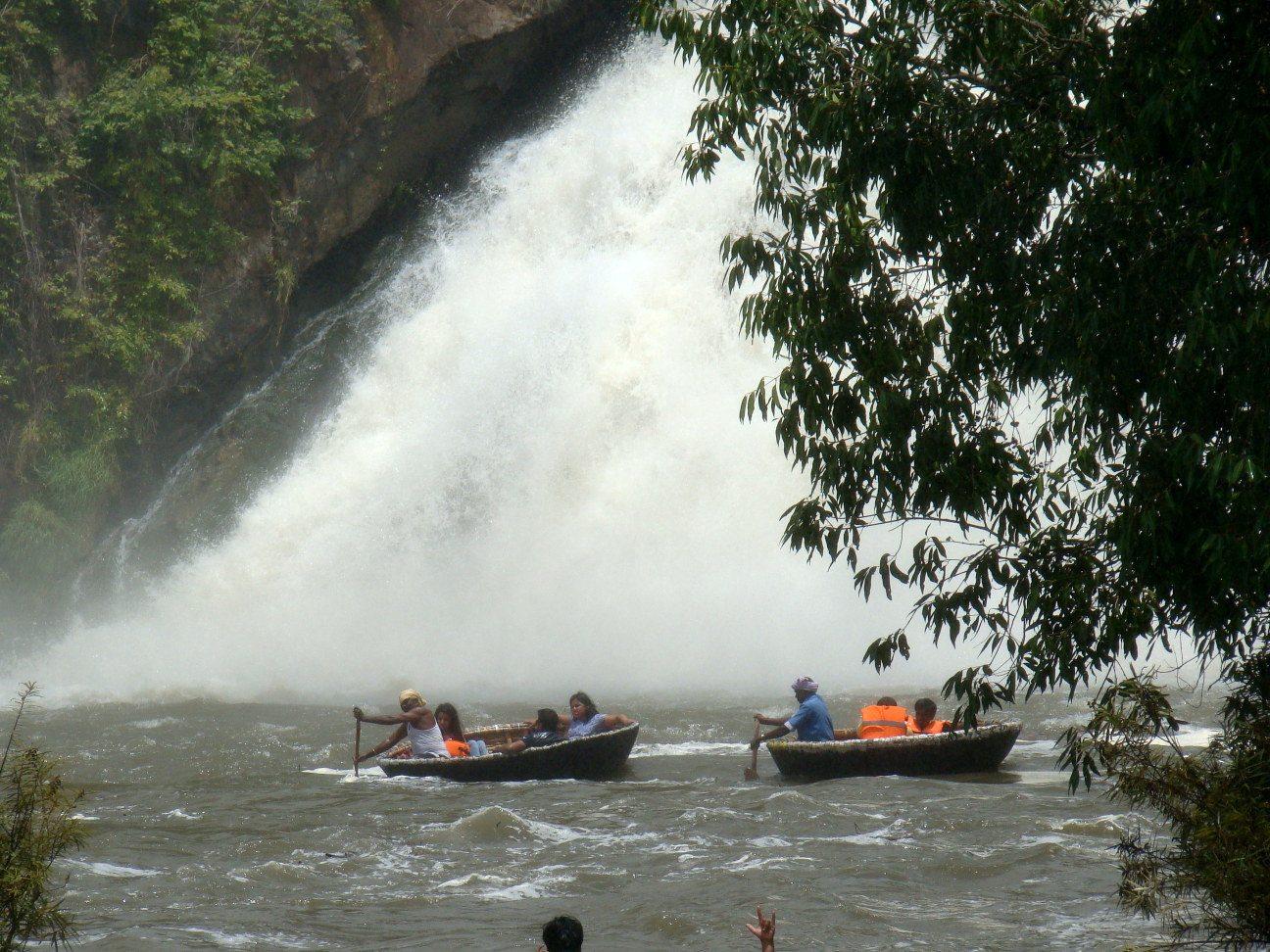 gaganachukki falls boat ride