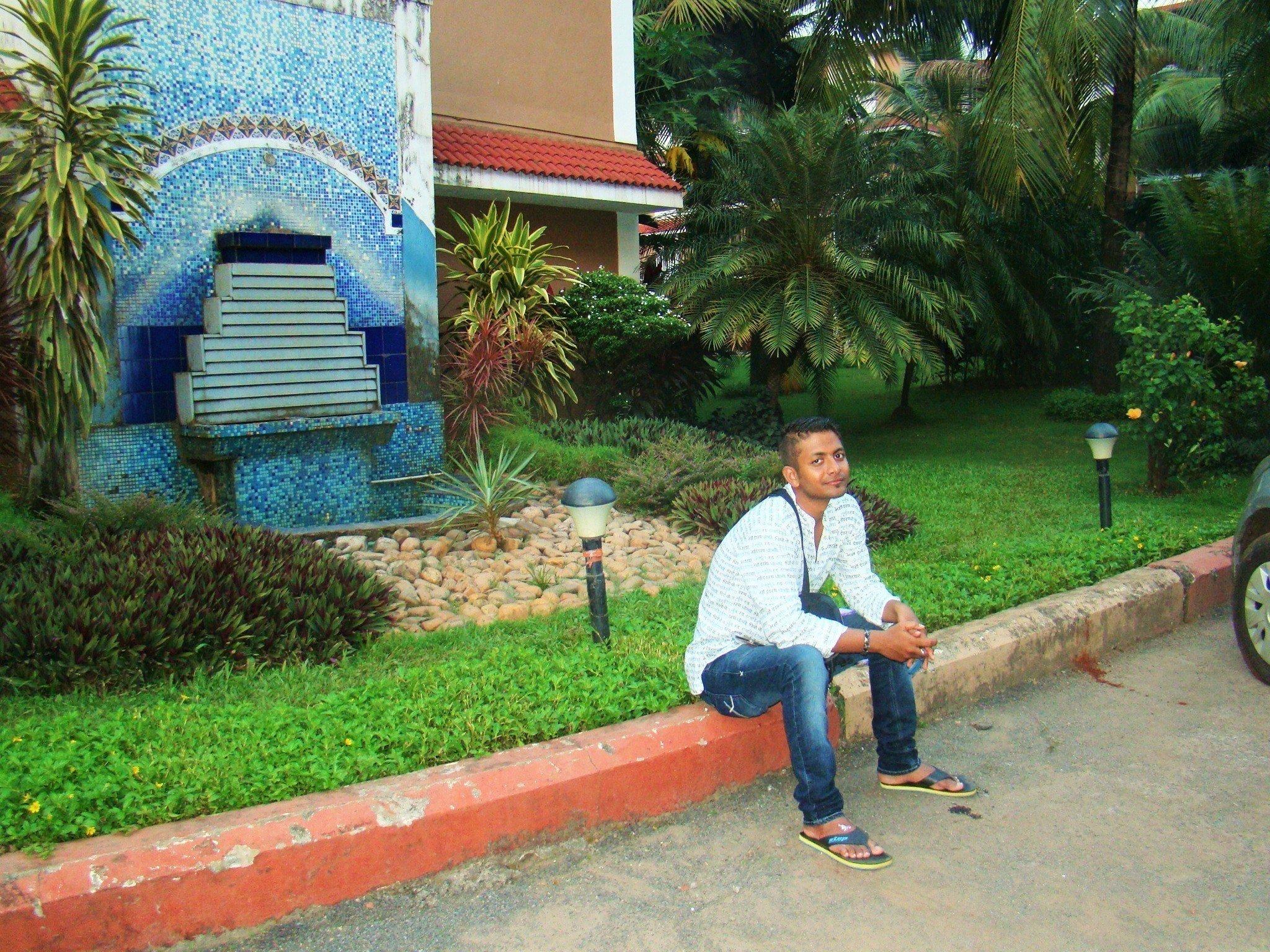 Candolim beach Resorts Stay
