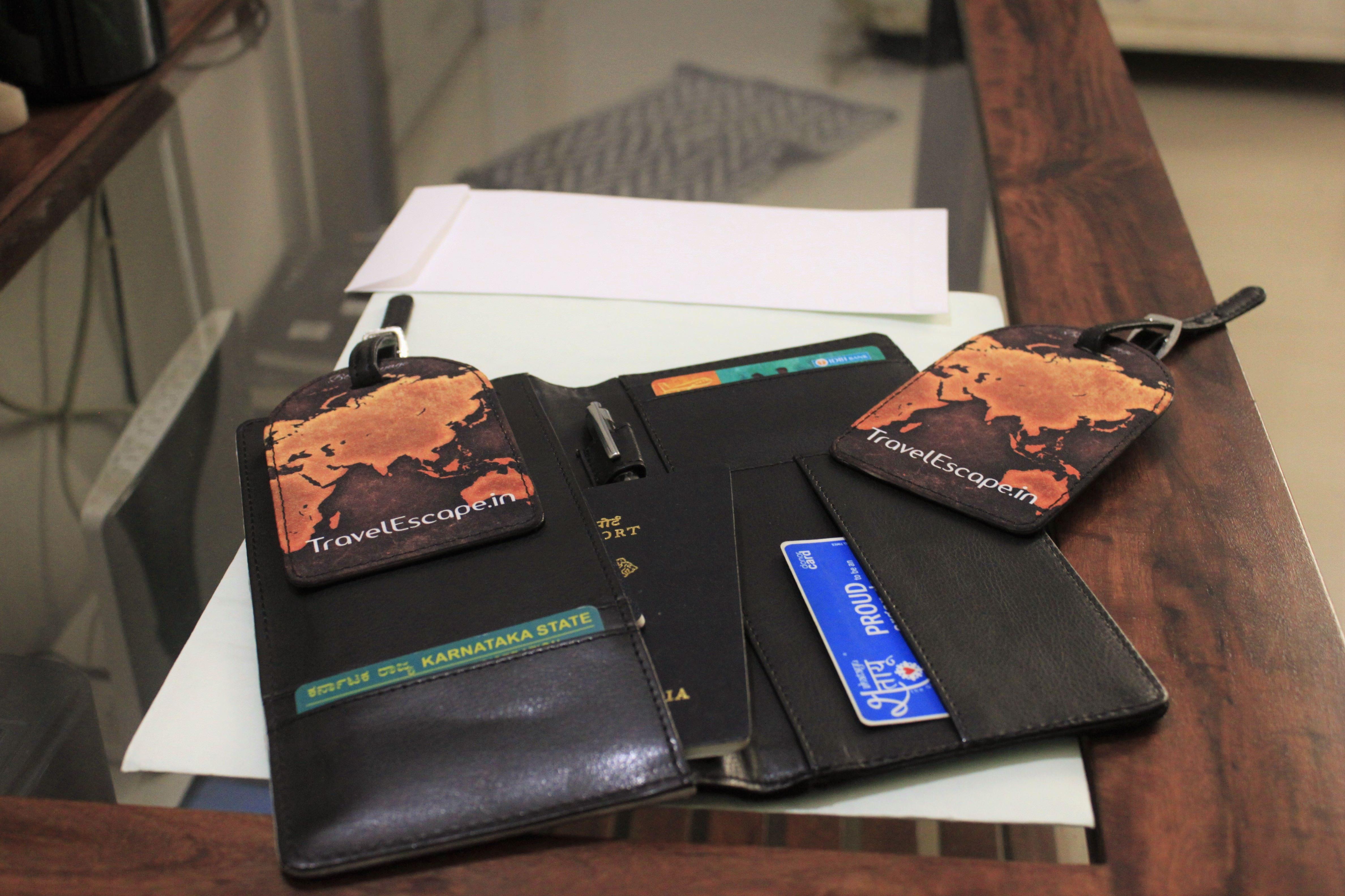 customized-passport-holder