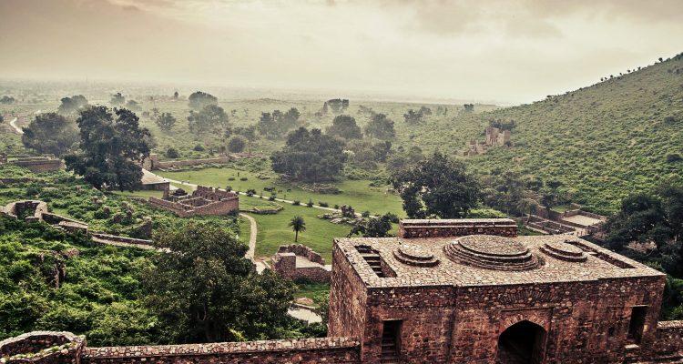 Bhangarh Fort by Pawan Pirta