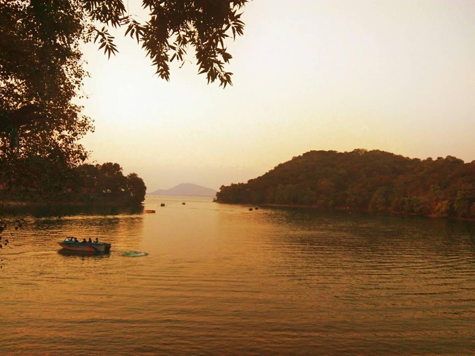 Kangsabati dam Mukutmanipur