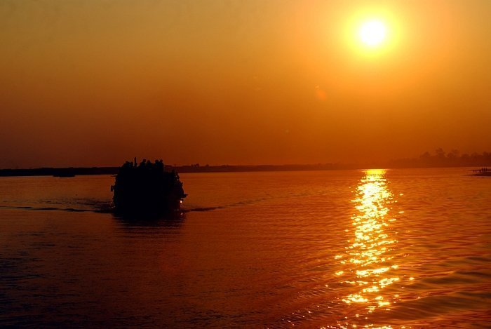 evening-ferry-ride-on-bahmaputra-river